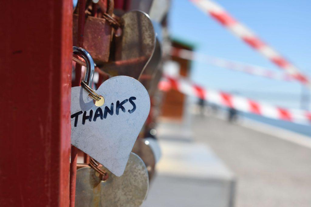 Coração com a palavra Thanks